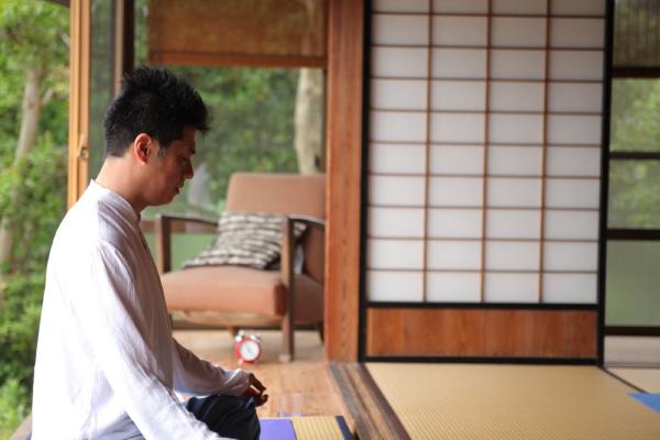 Yoga with Koji(ヨガ ウィズ コージ)の画像